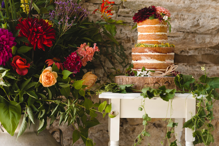 Kelston Old Barn wedding styling with Little Wedding Helper and Sam Gibson Photography (13)
