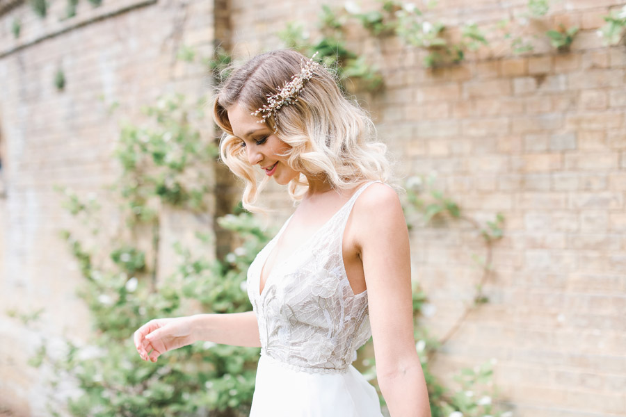 Romantic wedding ideas from Hale Park, photo by Charlotte Wise Photography (21)