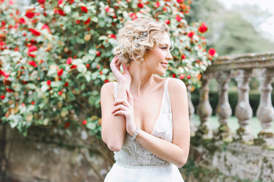 Romantic wedding ideas from Hale Park, photo by Charlotte Wise Photography (9)