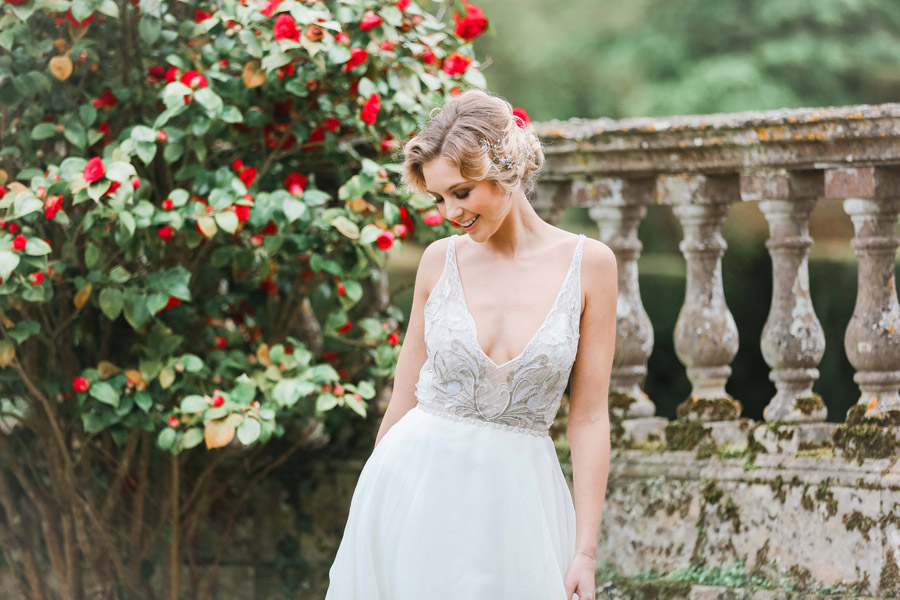 Romantic wedding ideas from Hale Park, photo by Charlotte Wise Photography (45)