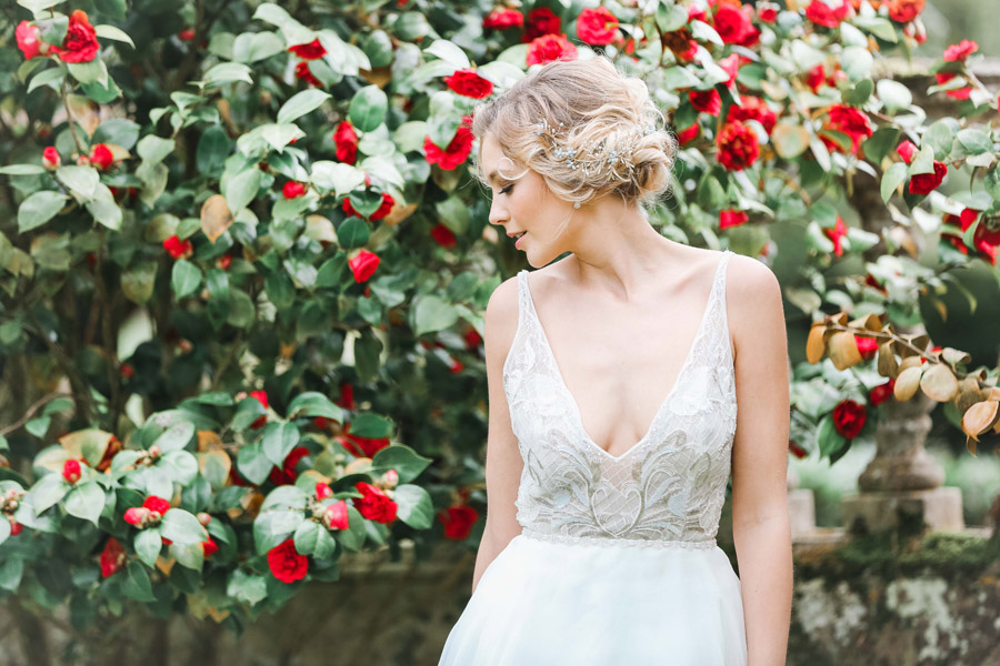 Romantic wedding ideas from Hale Park, photo by Charlotte Wise Photography (44)