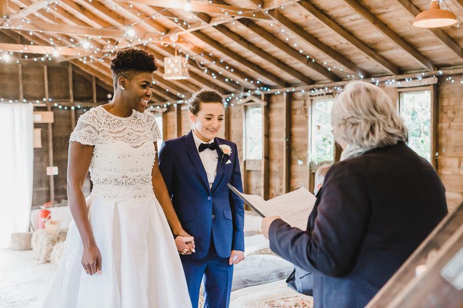Cornwall wedding inspiration with Jennifer Jane Photography on English-Wedding.com (16)