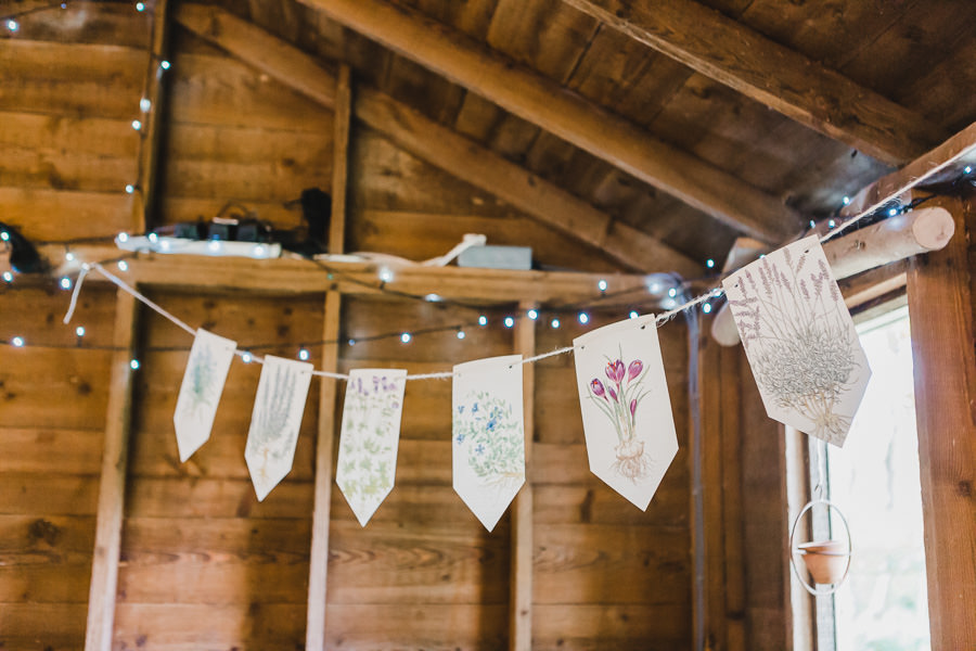 Cornwall wedding inspiration with Jennifer Jane Photography on English-Wedding.com (25)