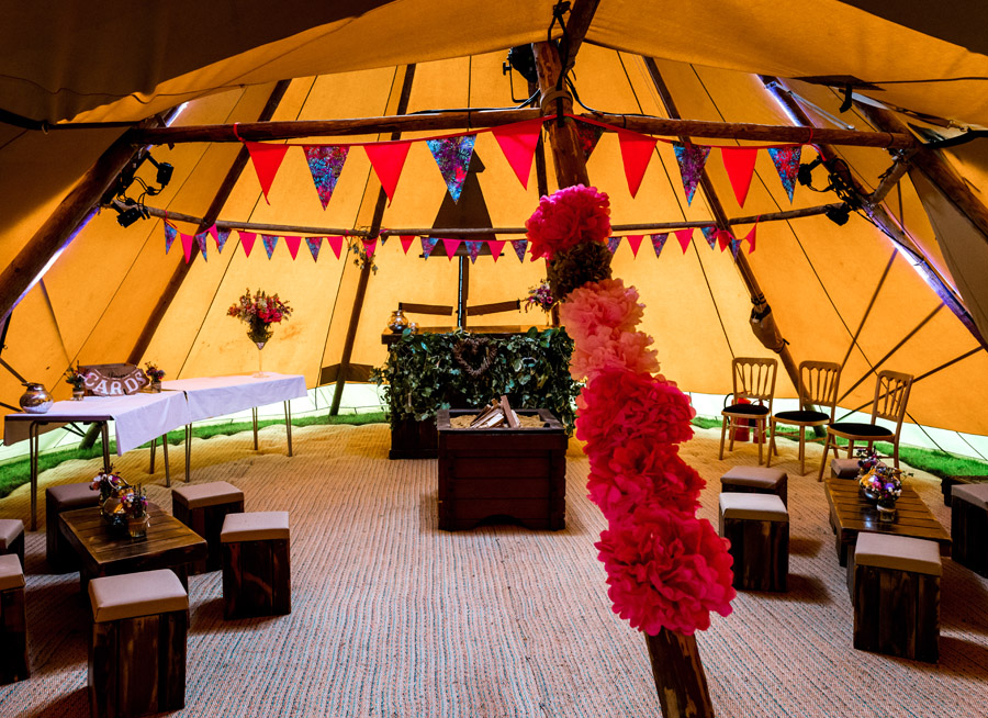 Photos by Robin Goodlad Photography in Dorset of a stunning tipi wedding full of ideas (3)
