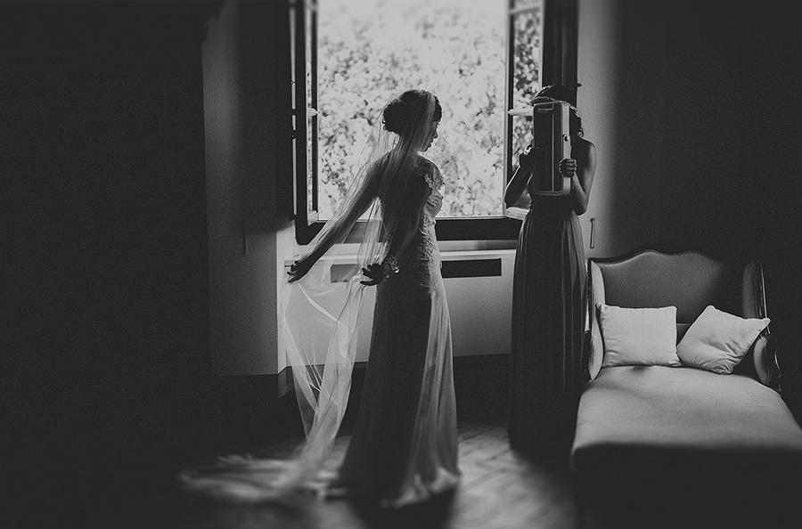 Creative and artistic documentary style wedding photographers Howell Jones Photography on English-Wedding.com (19)