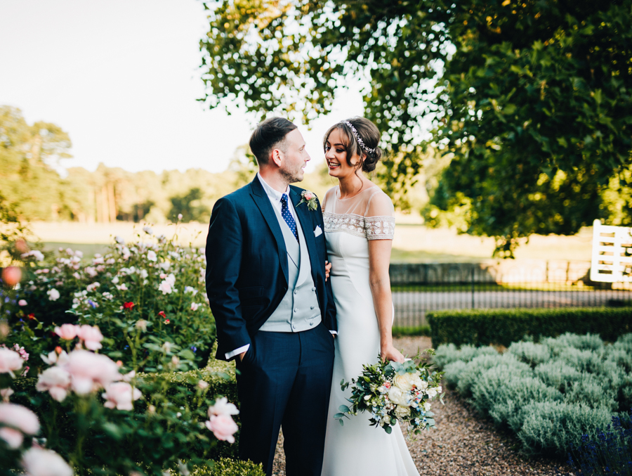 Mixed summer florals and beaming beautiful sunshine at Iscoyd Park with Rachel Joyce Photography (52)