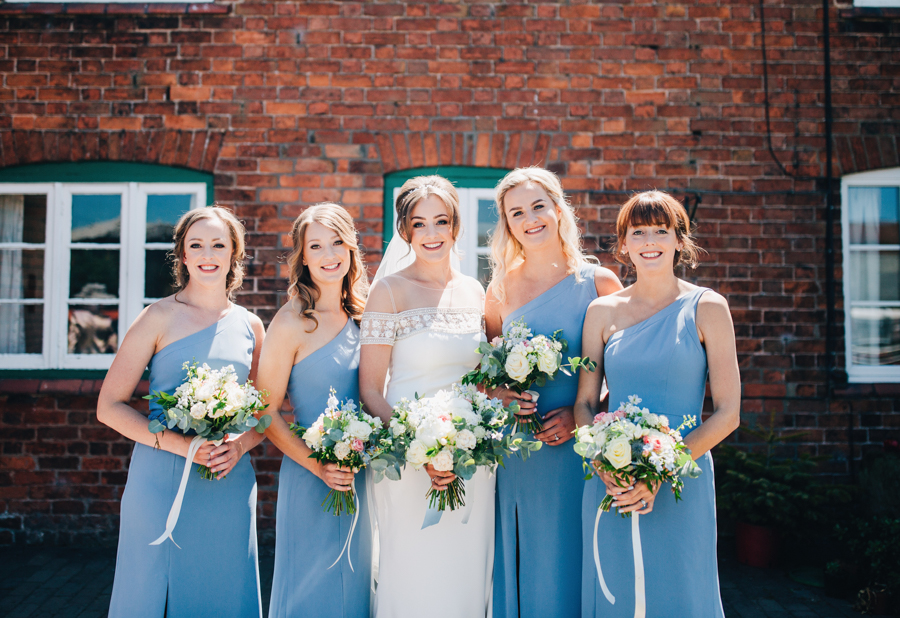 Mixed summer florals and beaming beautiful sunshine at Iscoyd Park with Rachel Joyce Photography (8)