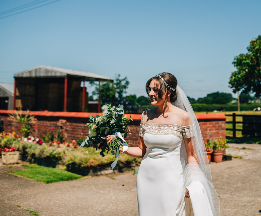Mixed summer florals and beaming beautiful sunshine at Iscoyd Park with Rachel Joyce Photography (9)