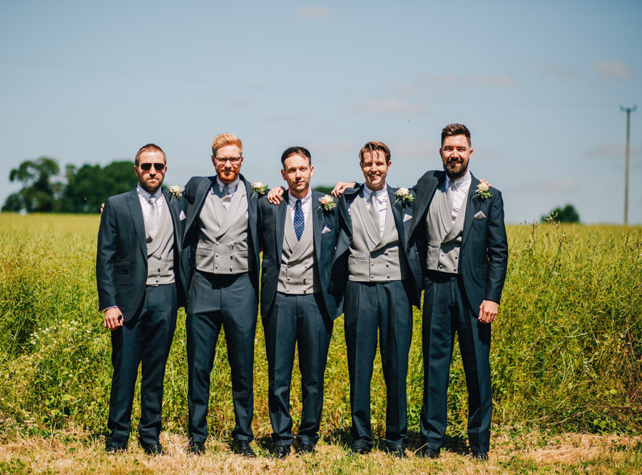 Mixed summer florals and beaming beautiful sunshine at Iscoyd Park with Rachel Joyce Photography (11)