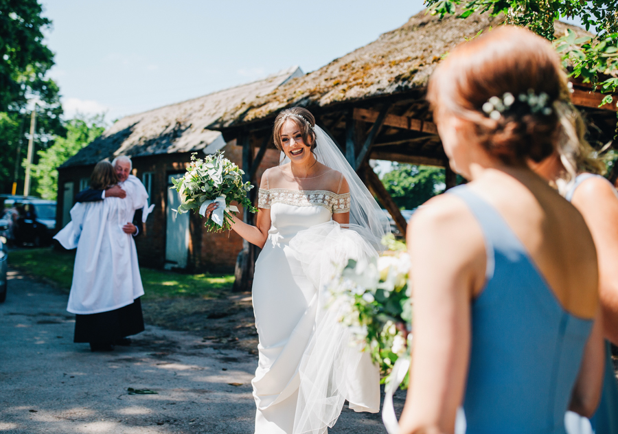 Mixed summer florals and beaming beautiful sunshine at Iscoyd Park with Rachel Joyce Photography (13)