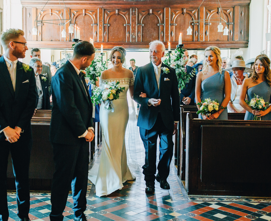 Mixed summer florals and beaming beautiful sunshine at Iscoyd Park with Rachel Joyce Photography (17)