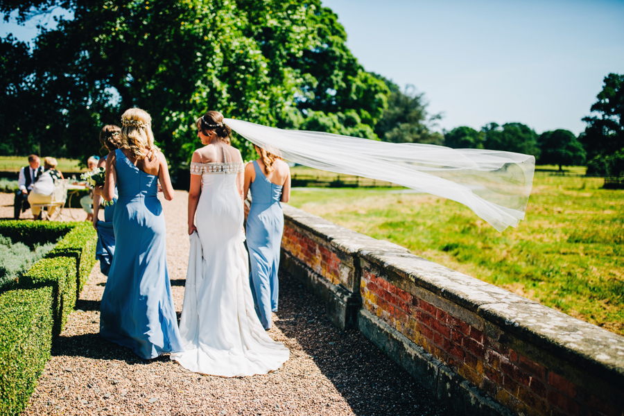 Mixed summer florals and beaming beautiful sunshine at Iscoyd Park with Rachel Joyce Photography (27)