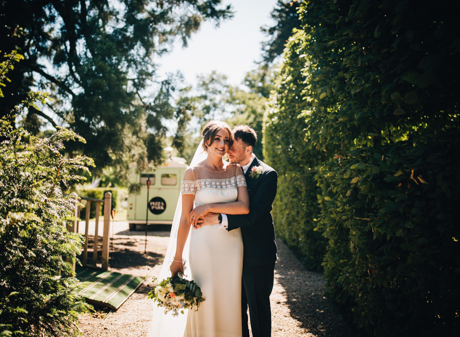 Mixed summer florals and beaming beautiful sunshine at Iscoyd Park with Rachel Joyce Photography (31)