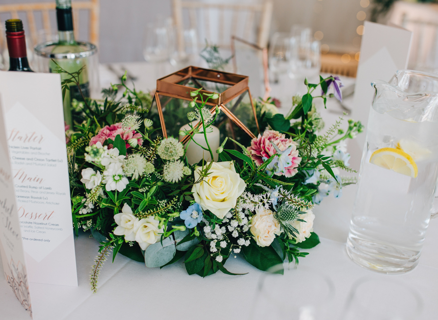 Mixed summer florals and beaming beautiful sunshine at Iscoyd Park with Rachel Joyce Photography (41)