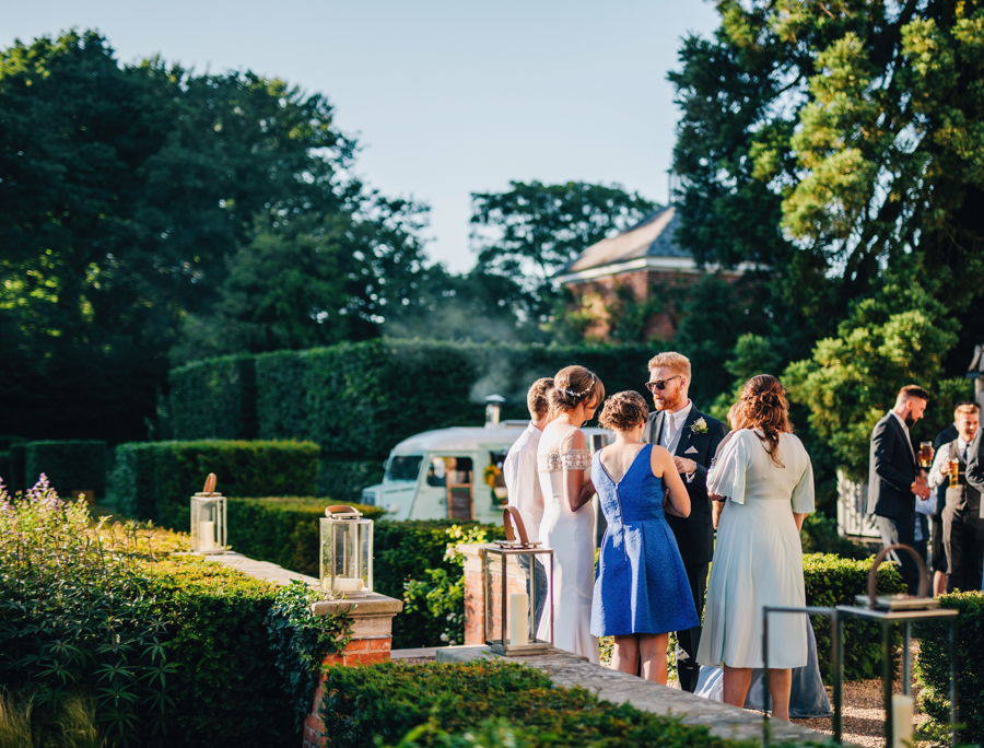 Mixed summer florals and beaming beautiful sunshine at Iscoyd Park with Rachel Joyce Photography (47)