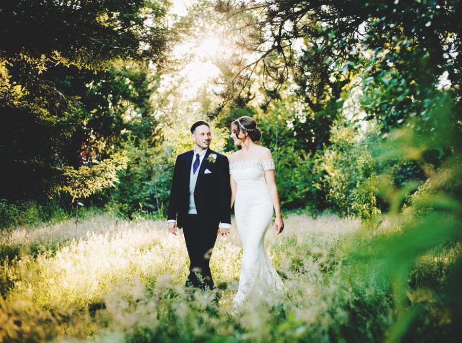 Mixed summer florals and beaming beautiful sunshine at Iscoyd Park with Rachel Joyce Photography (50)