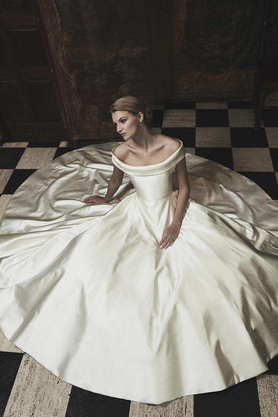 Wedding gowns UK 2019 Phillipa Lepley on English Wedding Blog (30)
