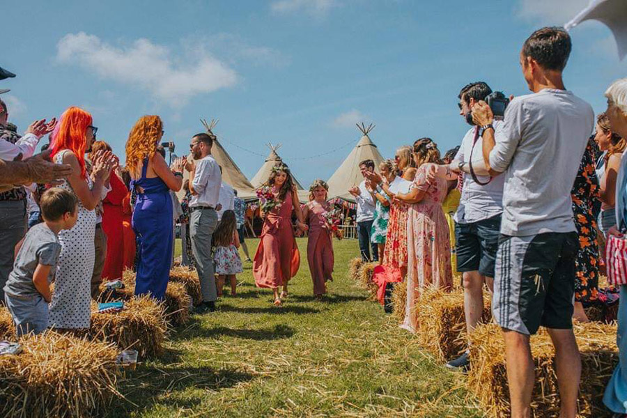 festival wedding tips and advice from Wild Tipi Cornwall for the English Wedding Blog (8)