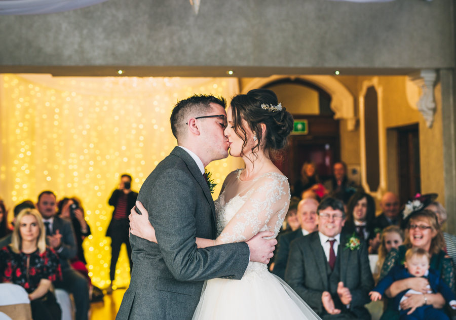 A gorgeous snowy wedding at Higher Trapp Country House Hotel with Rachel Joyce Photography (14)