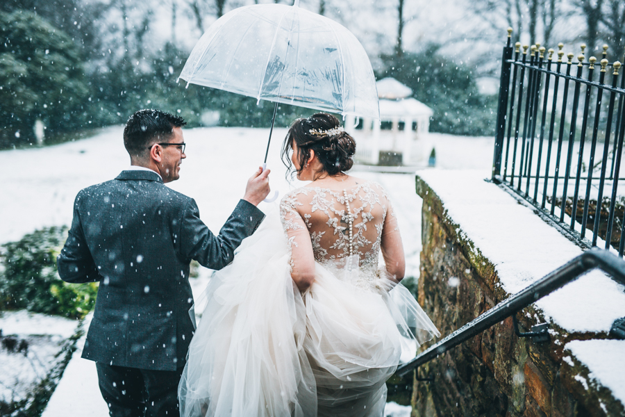 A gorgeous snowy wedding at Higher Trapp Country House Hotel with Rachel Joyce Photography (15)