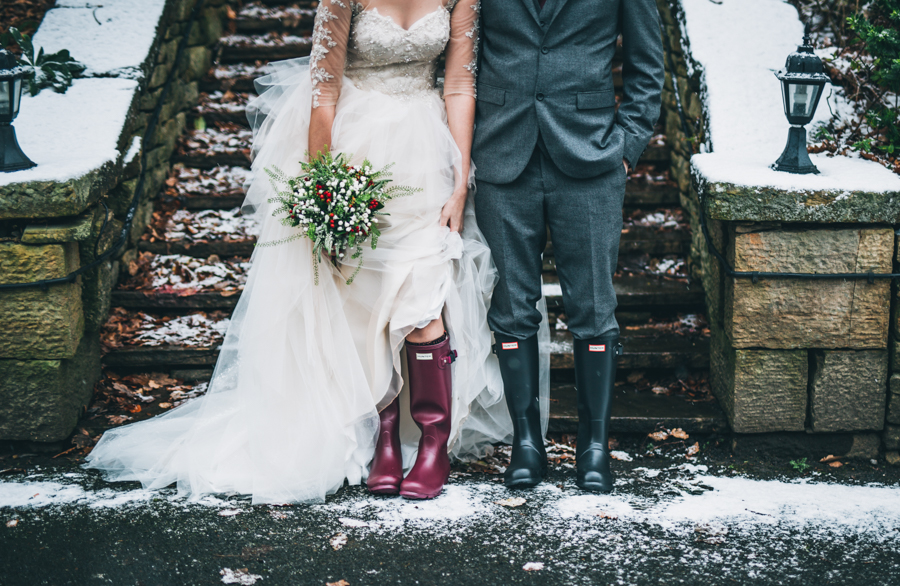 A gorgeous snowy wedding at Higher Trapp Country House Hotel with Rachel Joyce Photography (21)
