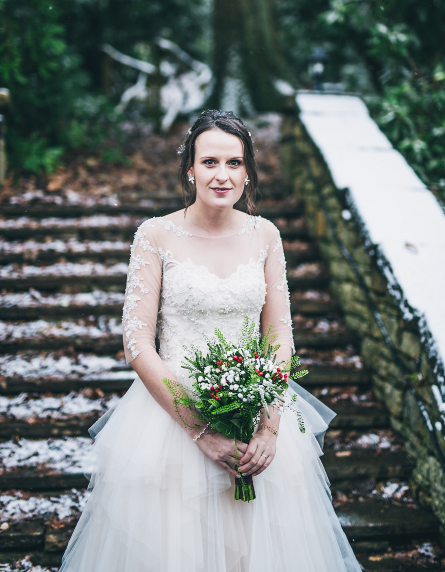 A gorgeous snowy wedding at Higher Trapp Country House Hotel with Rachel Joyce Photography (22)