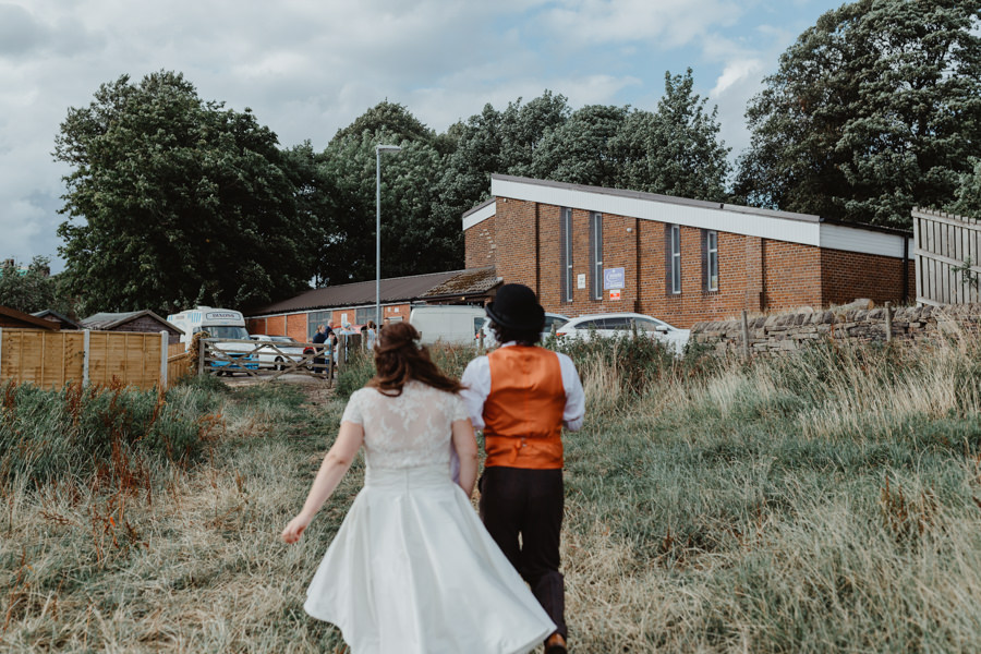DIY vintage wedding in Huddersfield 2018, with Stevie Jay Photography (27)