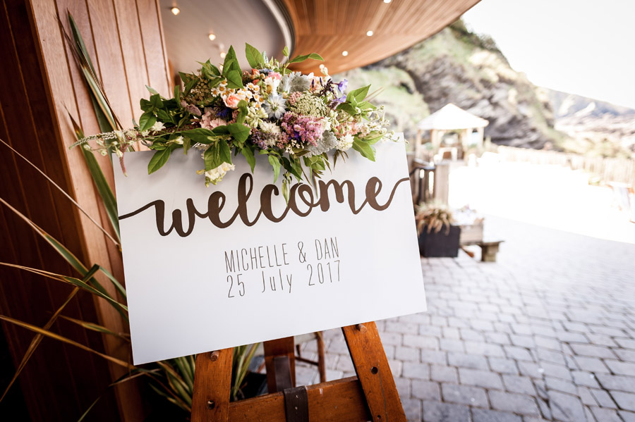 A relaxed and classic Devon Tunnels Beaches wedding in Ilfracombe with Robin Goodlad Photography (5)