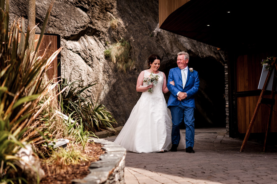 A relaxed and classic Devon Tunnels Beaches wedding in Ilfracombe with Robin Goodlad Photography (33)