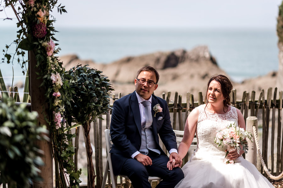 A relaxed and classic Devon Tunnels Beaches wedding in Ilfracombe with Robin Goodlad Photography (35)