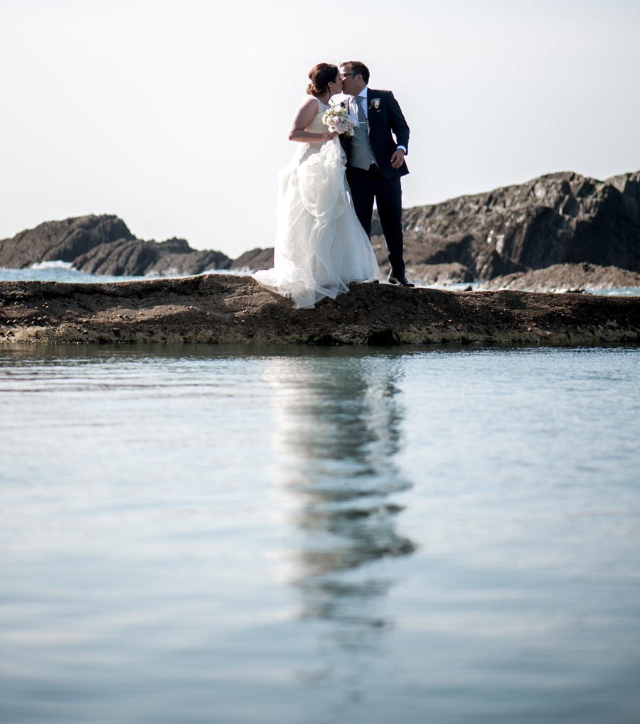 A relaxed and classic Devon Tunnels Beaches wedding in Ilfracombe with Robin Goodlad Photography (47)