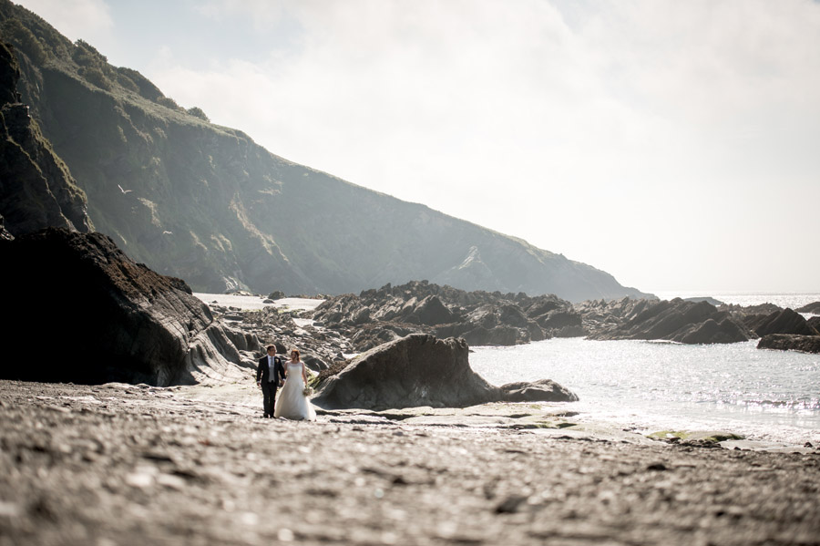 A relaxed and classic Devon Tunnels Beaches wedding in Ilfracombe with Robin Goodlad Photography (49)