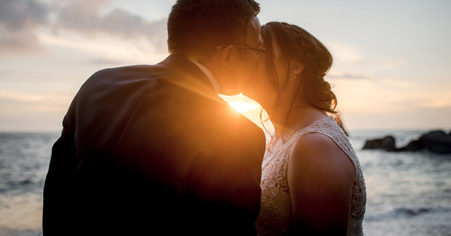 A relaxed and classic Devon Tunnels Beaches wedding in Ilfracombe with Robin Goodlad Photography (54)