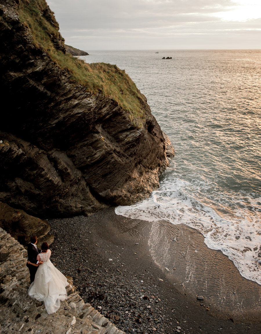 A relaxed and classic Devon Tunnels Beaches wedding in Ilfracombe with Robin Goodlad Photography (55)