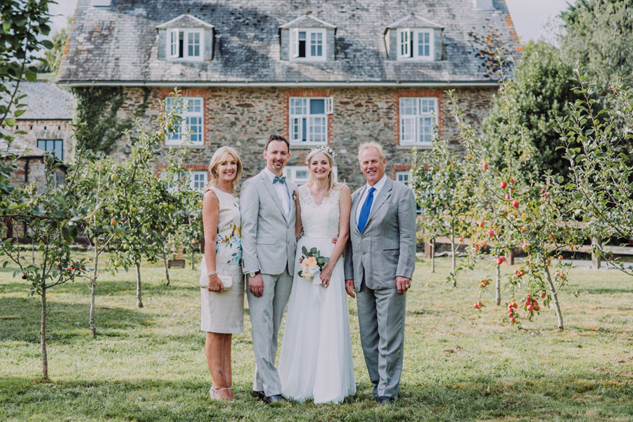 A relaxed botanical vibe for an Anran wedding in Devon, photo credit Special Day Wedding Photos (27)
