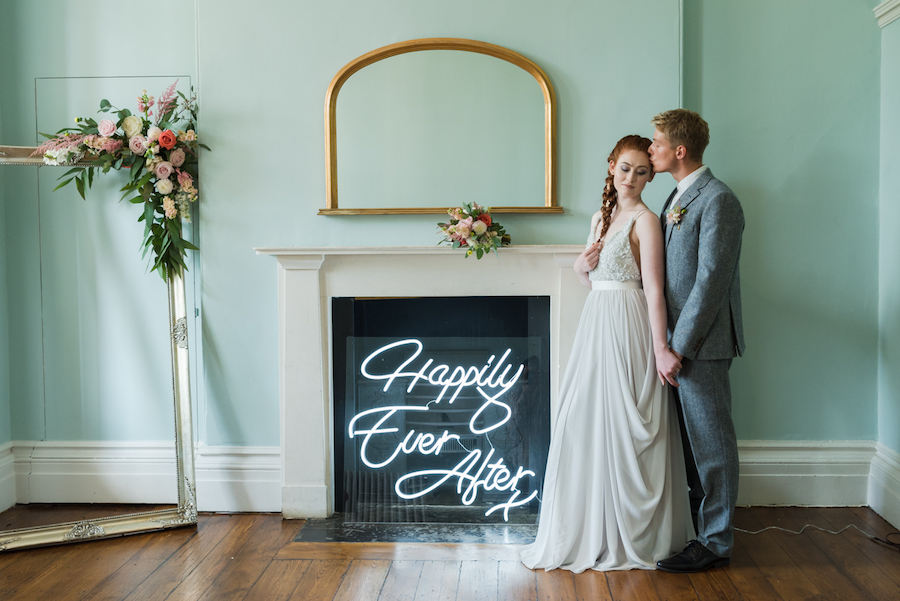Beautiful fairytale wedding ideas from Clissold Park on English Wedding. Image credit Eva Tarnok Photography (2)