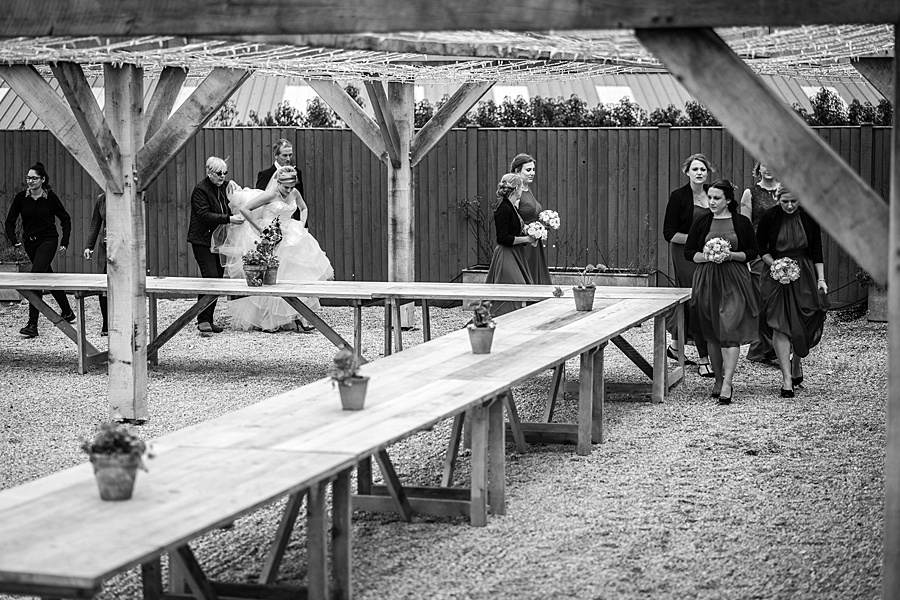 A beautiful barn wedding space - Axnoller Barn in Dorset, with Linus Moran Photography (29)