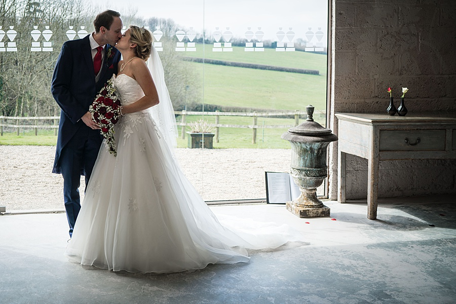 A beautiful barn wedding space - Axnoller Barn in Dorset, with Linus Moran Photography (37)