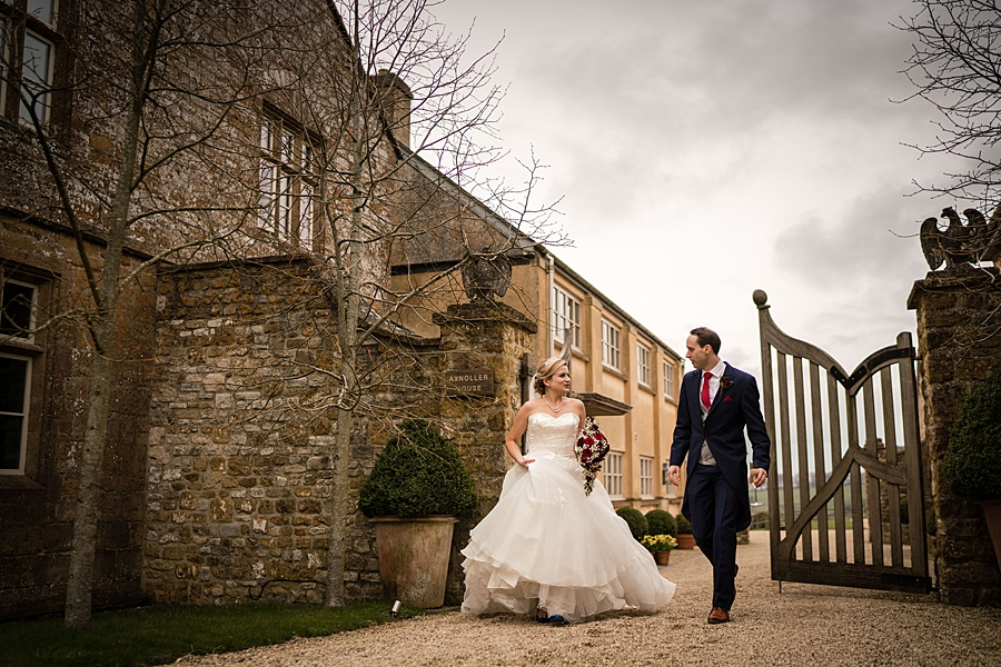 A beautiful barn wedding space - Axnoller Barn in Dorset, with Linus Moran Photography (42)