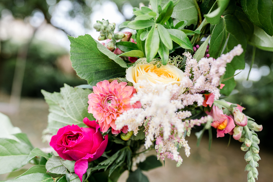 Vibrant florals, lemons and beautiful calligraphy for a summer wedding with Ellie Lou Photography (30)