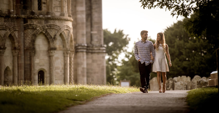 Do you really need an engagement shoot? Here's why it helps, with Robin Goodlad Photography in Dorset (6)