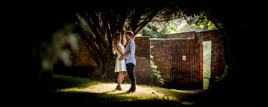 Do you really need an engagement shoot? Here's why it helps, with Robin Goodlad Photography in Dorset (8)