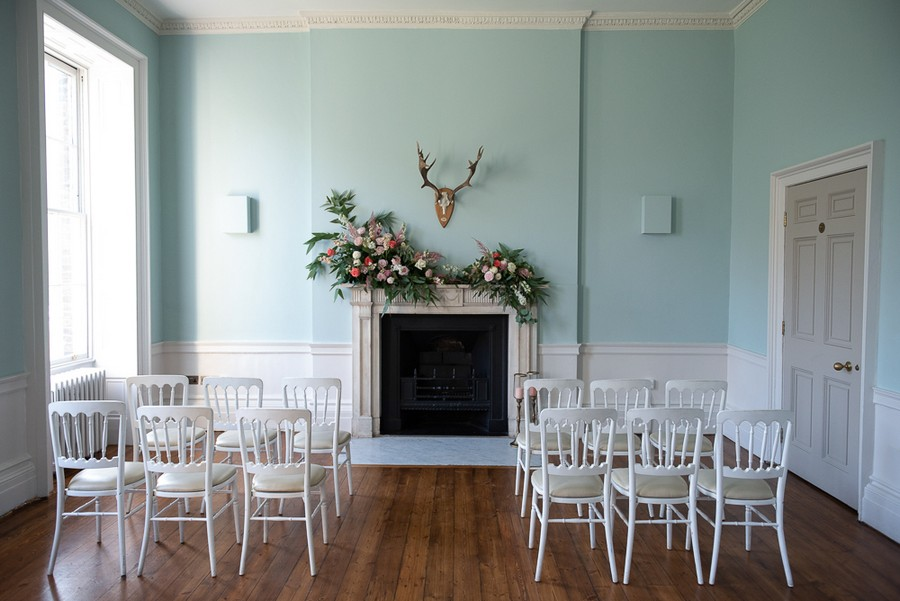 Beautiful fairytale wedding ideas from Clissold Park on English Wedding. Image credit Eva Tarnok Photography (4)