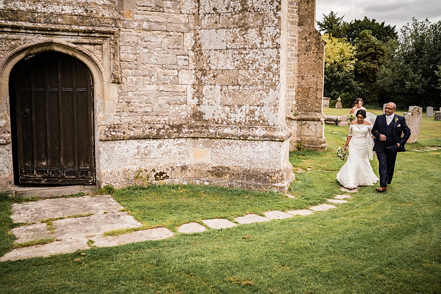 Linus Moran Photography at North Cadbury Court, traditional English wedding inspiration (18)