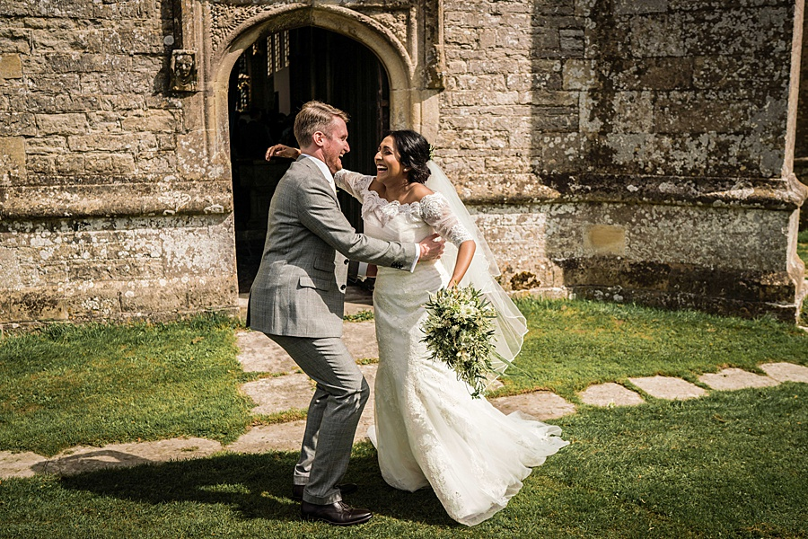 Linus Moran Photography at North Cadbury Court, traditional English wedding inspiration (29)