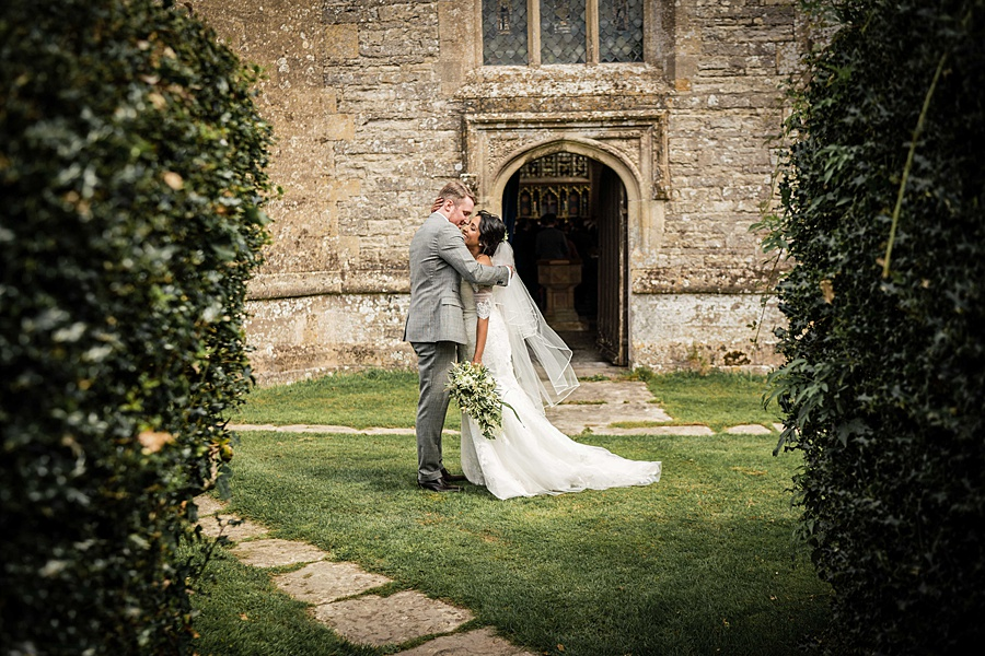 Linus Moran Photography at North Cadbury Court, traditional English wedding inspiration (30)
