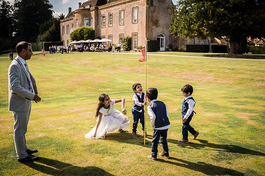 Linus Moran Photography at North Cadbury Court, traditional English wedding inspiration (37)