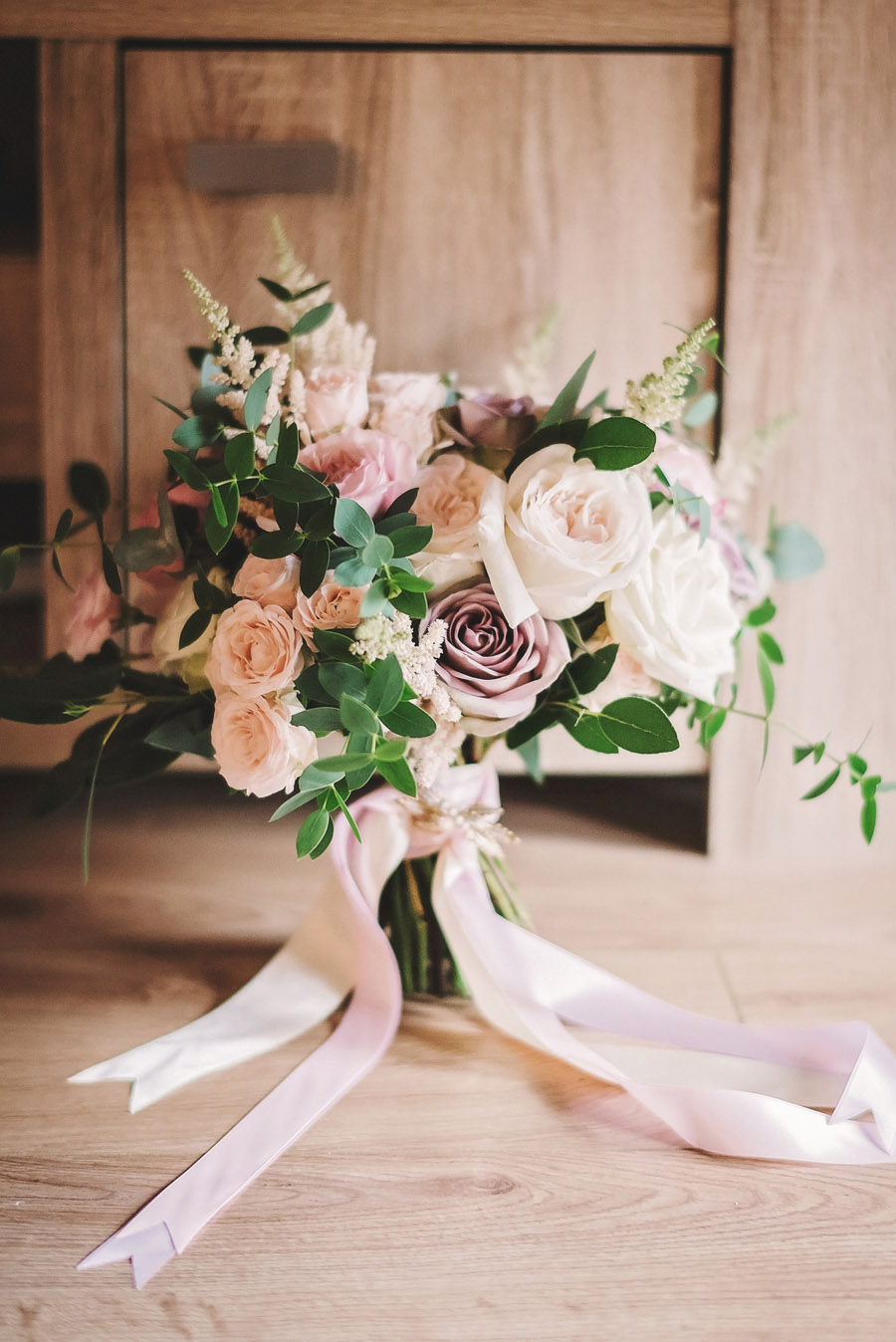 Eversholt Hall wedding with feminine floral styling, image credit Matthew Bishop Photography (1)
