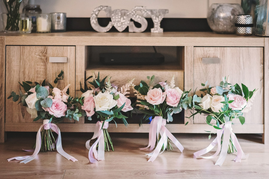 Eversholt Hall wedding with feminine floral styling, image credit Matthew Bishop Photography (5)