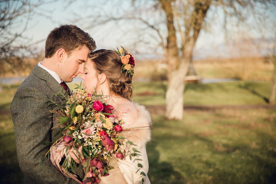 English country wedding styling ideas with a rural twist from Hannah Buckland Photography (18)